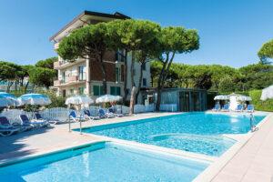 bauer & Sporting hotel con piscina jesolo