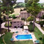 Villa Teloni è la cornice ideale per la tua felicità