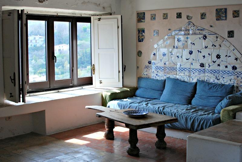 Salotto della casa di Ortega a Bosco